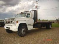 14 ton 1990 GMC 22 ft'' flat bed hauler low miles great
