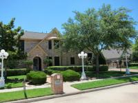 AMAZING 4/5 BEDROOM HOME IN DEER PARK. MARVELOUS ENTRY