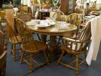 Oak double pedestal, 2 leaf table with 6 chairs (2 with
