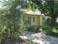 Cute, perfectly refurbished, clean, comfy home! New
