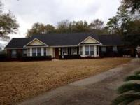 Great home on cuddlesac in Vaughn's 3/2.5 split floor