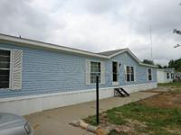 Doublewide mobile home for sale:  1995 Friendship 28x70
