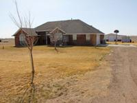 Beautiful home in Bushland North with 3 bedrooms, 2