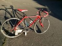 I'm offering my Fuji SL-1 Comp LE Road Bike. I
