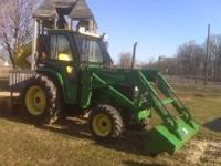 4 Wheel drive tractor 4610 - 42.8 hp only 192 hours.