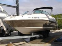 2005 Sea Ray 220 SUNDECK 22' Sea Ray 220 Sundeck,