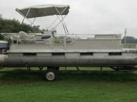 24 foot Harris pontoon boat 1984 model. Was completely