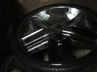 I have 24 inch rims 5 lugs universal low pros rims with