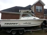 24' Trophy 2352 Fishing Boat in excellent condition.