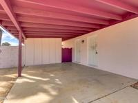 TEMPE DELIGHT! This 3 Bedroom 2 Bath features fresh