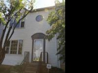 This gorgeous three level townhome in Warrenton has 3