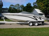 Powerquest 22ft speedboat enclosed hull with small