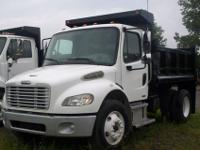 THIS IS A 2005 SINGLE AXLE FREIGHTLINER BUSINESS CLASS