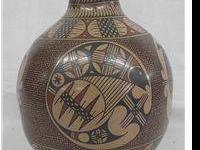 Mata Ortiz Pottery Jar - Ellija de Bugarini. There are
