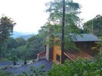 Blowing Rock deluxe log cabin with 2 bedrooms and 2