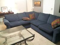 Gently used sectional sofaThis SOFA IS IN GREAT SHAPE