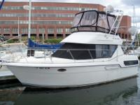 This 28? Carver Mariner Aft-Cabin 1992 is located in