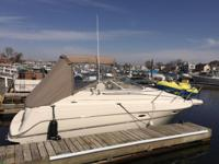 2002 MAXUM 26 FEET 500 HOURS ON MOTOR LIKE NEW COMES