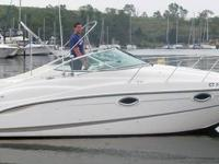 This 26? Maxum 2500 SCR Express is located in