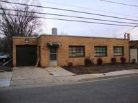 5,000SF OFFICE WAREHOUSE WITH DOCK 10 X 10 AND DRIVE IN