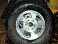 265/70/16 almost new Firestone Wilderness LE on GM OEM