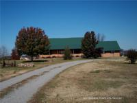 Sprawling 273 acre cattle ranch with beautiful 2,600 sq