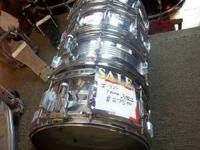 The Rocker Steel Shell Snare Drum has 8 lugs and