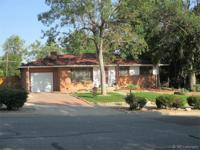 Great all brick Harvey Park South ranch with an