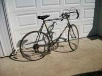 "27""schwinn traveler good cond. needs tires  Location:"