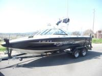 2003 Centurion Avalanche; Storm Series package,; 22 ft