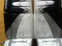 28 +1 TPS SUMMIT GOALIE PADS  GOOD CONDITION - ALL