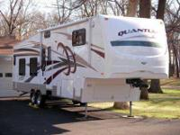 2008 Fleetwod Quantum 38' 5th Wheel , Extreme Edition,