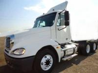 2005 Freightliner Columbia tandem axle day cab tractor.