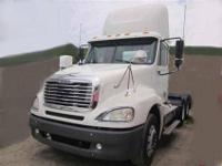 2006 Freightliner Columbia tandem axle day cab tractor.