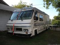 Nice older motorhome with great rubber, cold a/c, lots