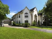SPACIOUS CHARLES MARTIN HOME LOCATED ON THE PREMIER
