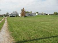 This home sits on 10.40 acres in Claiborne County and