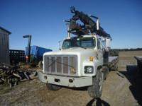 1996 international 2674 with 2650-k hiab 50 foot dry