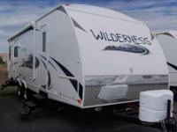 2013 HEARTLAND WILDERNESS 27' , WHT/BEACH, Standard