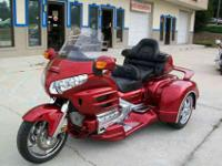 BEAUTIFUL PEARL RED 2008 HONDA GOLDWING WITH A NEW