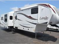 Beautiful fifth Wheel RV for sale. Like new very