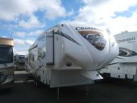 2013 COACHMEN CHAPARRAL 26' , WHT/FALL RIVER, Hitch