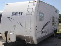 For sale is a very nice 2004 29' Hornet toy-hauler.