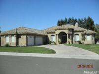 Custom Home on a 15,640sf Lot! Approx. 3526sf Home w/