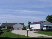 Spacious 4 bedroom cattle ranch style house with two