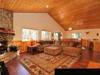 Take a retreat in this comfy & gorgeous cabin. or