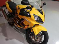 very clean (looks 90% new) 2006 Honda CBR-600 F4i in
