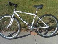 "* Trek 6000 Aluminum Frame Mountain Bike, 26"" quick"