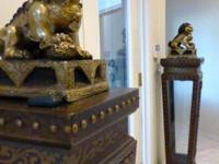 2 Pedestals and Bronze Foo Dogs - Sophisticated touch