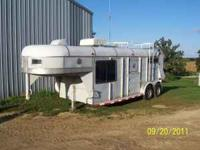 Gooseneck 2 Stall Horse Trailer With Dressing Room